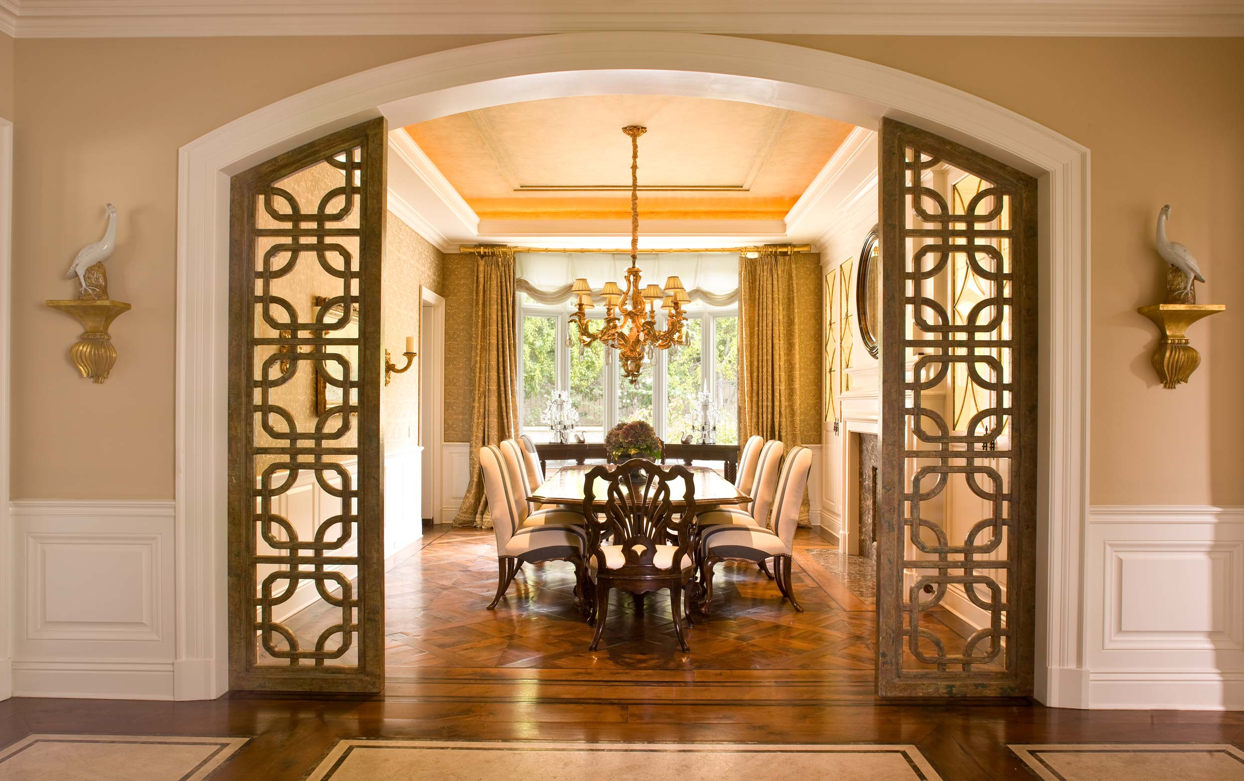 ... Formal Dining Room With A Grand Entrance ...